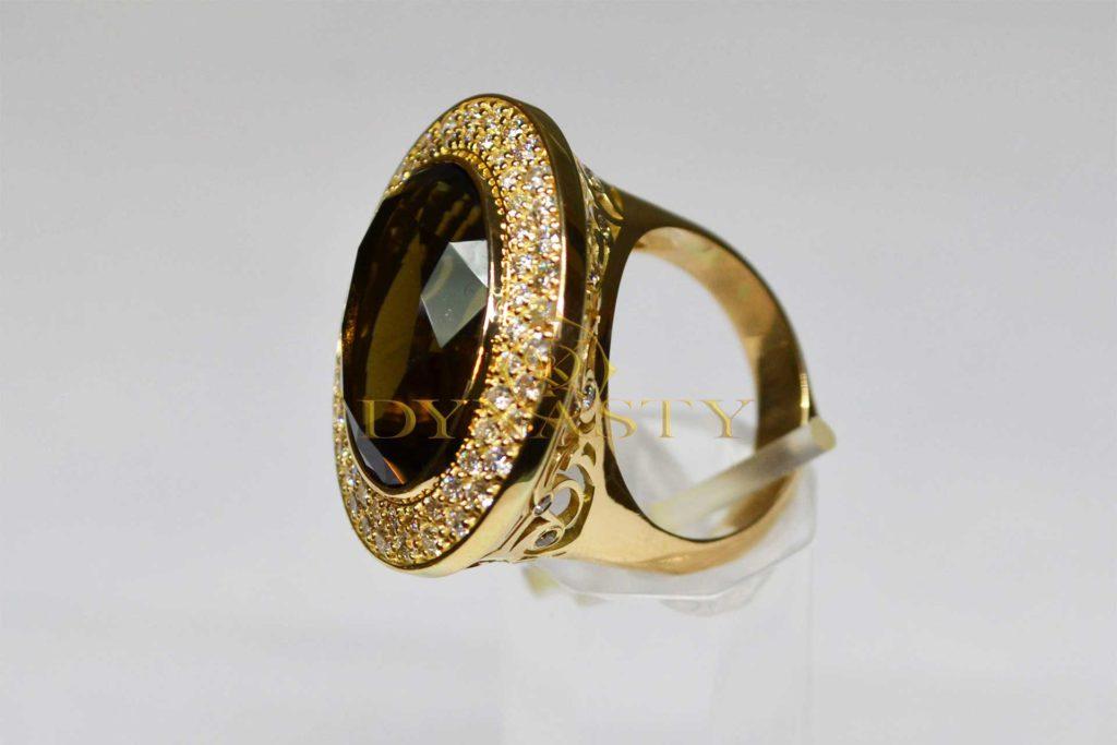 Обручальное кольцо с топазом