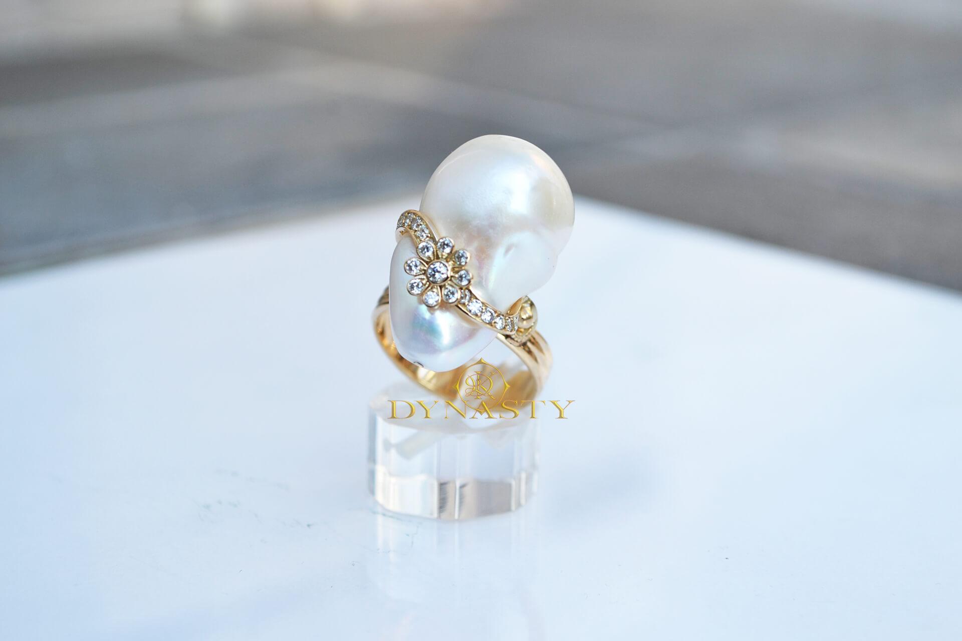 женское кольцо с жемчужиной