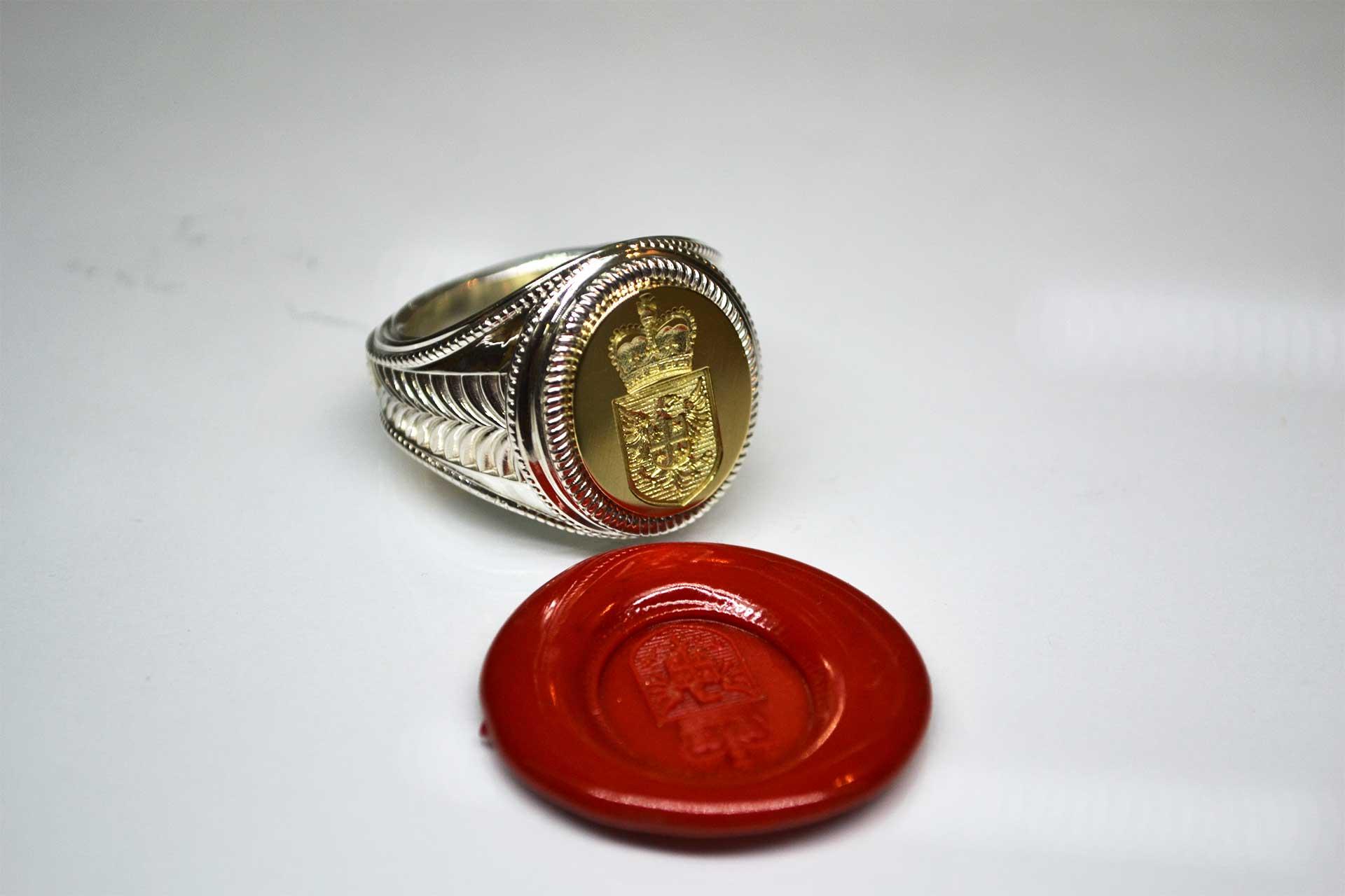 Мужской перстень с родовым гербом